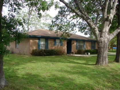 3/2/2 Brick Home in Madisonville